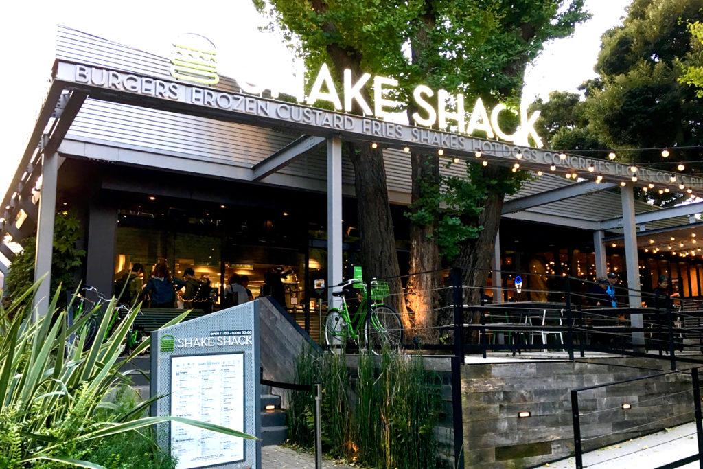 SHAKE SHACK(シェイクシャック) 外苑いちょう並木店