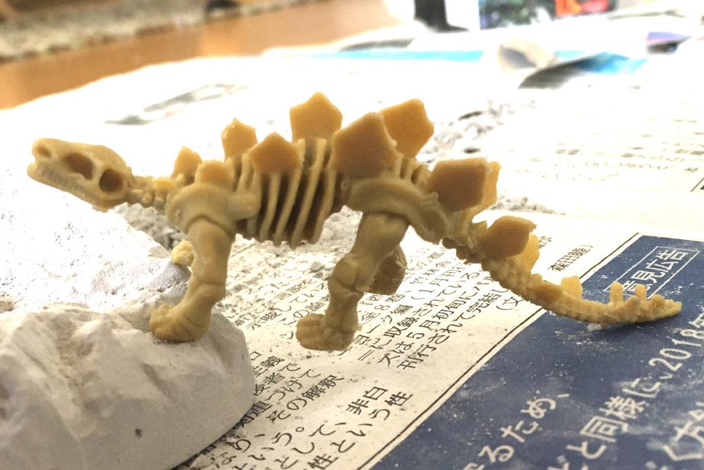 キャンドゥ 百均の発掘シリーズ 「恐竜の化石」