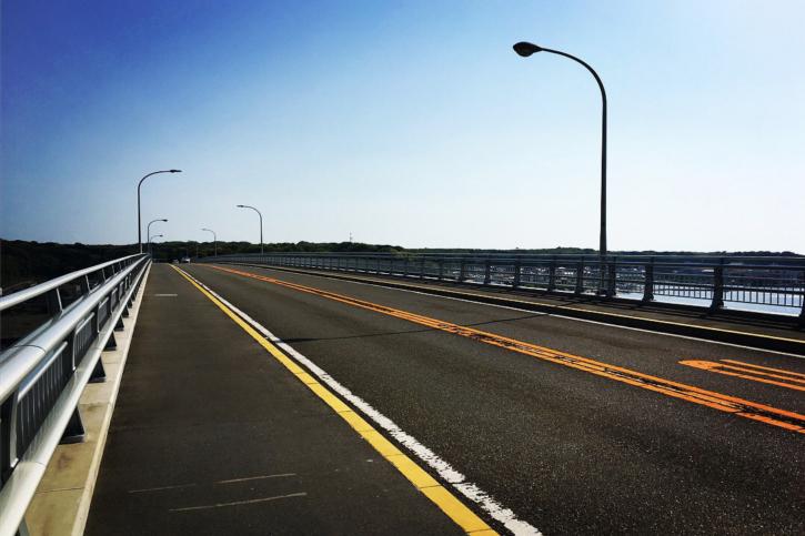 みさきまぐろきっぷ レンタサイクルで城ヶ島大橋を渡る。