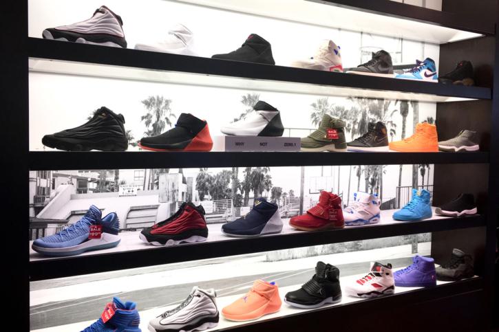 ロサンゼルス サンタモニカ footlocker(フットロッカー)のスニーカー ジョーダン