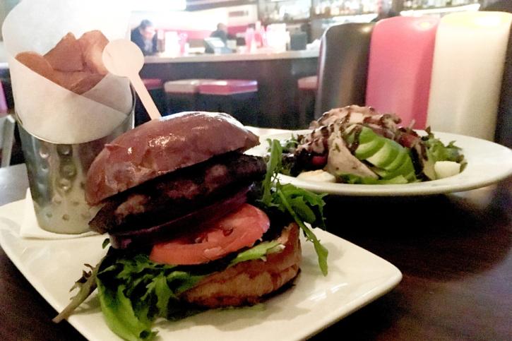 ロサンゼルス kitchen24のハンバーガー